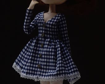 V-neck longsleeve plaid dress by Atelier Milabrocc for 1/6 scale dolls Obitsu 27 Pullip Blythe Azone