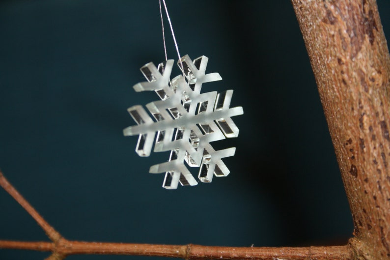 Beautiful Snowflake Christmas Tree Decoration Xmas Ornament image 0