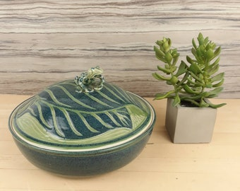Shelton Pottery Shell Planter Iridescent White Number 29 Made in the USA Home and Garden Lawn and Garden Gardening Pots and Planters