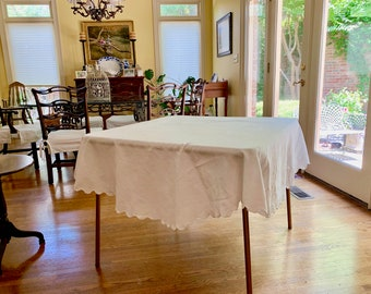 Round Damask Tablecloth, Scalloped White Damask Tablecloth, Floral Pattern,  64 Inch Round Tablecloth, Cottage Farmhouse Table Linens