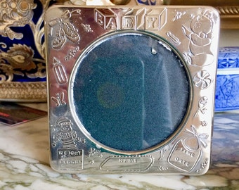 Vintage Silver Plate Baby Photo Frame, Nursery Baby Shower Gift, Embossed Silver Plate Baby Frame, Round Picture Frame
