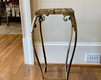 Vintage Iron Plant Stand, Hollywood Regency Gold Toned Metal French Style Plant Stand, French Country Decor