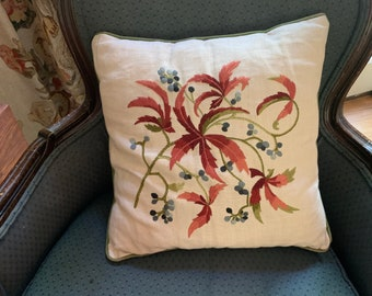 Vintage Crewel Pillow on Linen, Floral Pattern with Berries, Crewel Pillow Cover with Form, Mid Century Needlework,