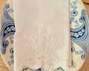 Embroidered Battenburg Tea Towel, Vintage White Linen Battenburg Guest Hand Towel,  Bridal Hostess Linen Shower Gift, Cottage Farmhouse