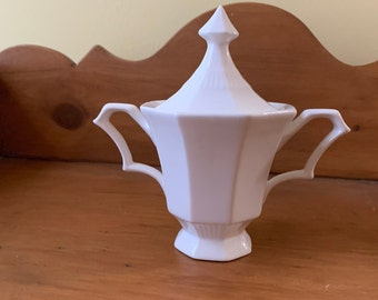 Independence Ironstone Castleton Sugar Bowl with Lid, Vintage Mid Century Ironstone, Farmhouse Kitchen