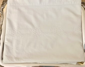 White Embroidered Sheet, Vintage White Twin Sheet, Twin Flat Embroidered Sheet, Cottage Farmhouse Bedding