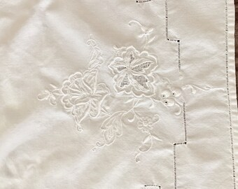 Embroidered Table Runner, White on White Floral Embroidered Table Scarf, Drawnwork, 15 x 40 Inches, French Country Cottage Farmhouse Linens