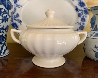 Footed Tureen with Handles, Cream Colored Vintage USA Soup Tureen, Marked USA 663, USA Pottery, Cottage Farmhouse Kitchen Decor