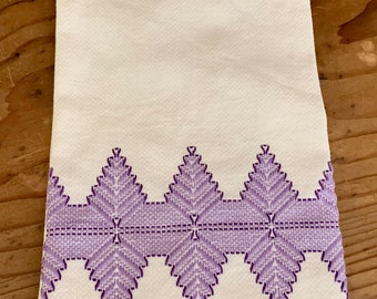 Purple White Tea Towel, Embroidered Mid Century Tea Towel, Purple White Decor, Cottage Farmhouse Decor