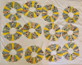 Dresden Plate Quilt Pieces, 12 Vintage Quilt Pieces Blue and Yellow, Quilt Supplies, Sewing Craft Supplies