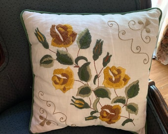 Crewel Pillow on Linen, Vintage Pillow Rose Pattern Needlepoint, Pillow Cover with Form, Mid Century Decorative Pillow,  15 Inch Pillow