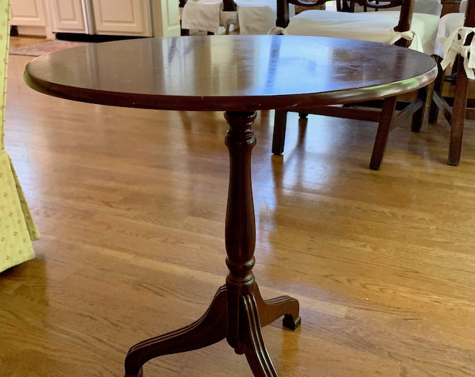 Featured listing image: Vintage Tilt Top Table, Mahogany Finish, Small End Table, Wine Table, Oval Shape Small Apartment Table