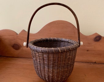 Small Woven Berry Basket, Egg Basket, Hinged Handle, Small Splint Woven Basket, Decorative Basket, Small Storage Basket, Cottage Farmhouse
