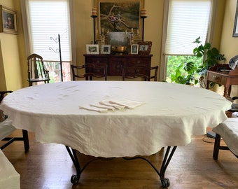 Round Linen Tablecloth with Napkins, Hemstitched 71 Inch Round Tablecloth, 4 Linen Scalloped Napkins, Casual Table Linens, Country Farmhouse