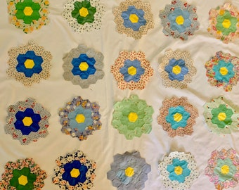 Vintage 20 Quilt Squares, Grandmother's Flower Garden, Blue and Green Florals, Hexagon Shaped Quilt Pieces, Honeycomb Pattern