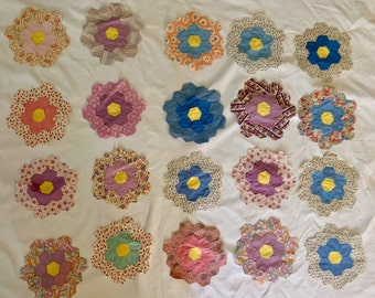 Vintage Hexagon Shaped Quilt Pieces, 20 Grandmother Flower Garden Quilt Pieces, 8 Inch Honeycomb Shaped Small Quilt Pieces