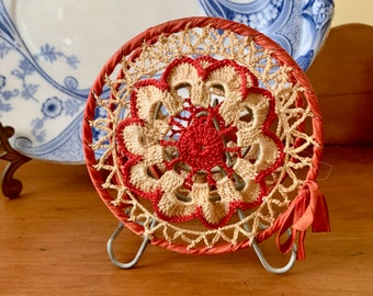 Vintage Crochet Napkin Holder, Retro Handmade Red Cream Round Napkin Holder, Letter Holder, Bill Holder, Kitchen Decor