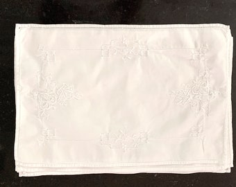Embroidered White Placemats, Set of 8 Vintage Drawnwork Placemats, French Country Cottage Farmhouse Table Linens. Linen Shower Gift