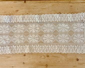 White Crochet Table Runner, Crochet Lace Table Scarf, Dresser Scarf, Cottage Farmhouse Table Linens Vintage Crochet Linens