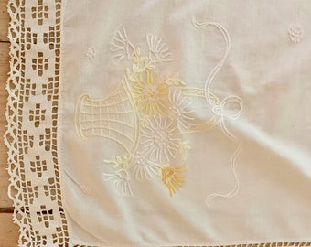 Embroidered Linen Table Runner, Vintage Table Scarf with Openwork Lace, Yellow Embroidered Flower Basket, Cottage Farmhouse Linens