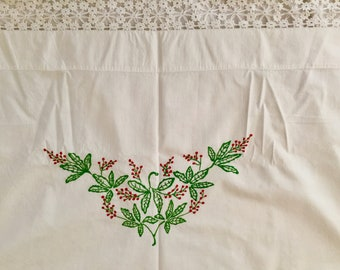 Embroidered Bed Cover with Matching Pillowcases, 5 Inch Crochet Lace, Red Green Embroidered Design, Vintage Full Size Bedding
