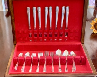 Wm Rogers Silver Flatware 8 Place Settings, Talisman Pattern 48 Pieces Silver Plate, Vintage Art Deco Silver Plate with Cutlery Box