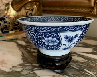 Small Chinoiserie Bowl with Stand, Vintage Blue White Rice Bowl, Decorative Asian Bowl, Blue White Chinoiserie Decor