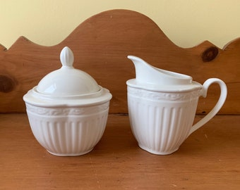 Mikasa Italian Countryside Creamer and Sugar, Replacement China Creamer Sugar Set, French Country Cottage Farmhouse Kitchen