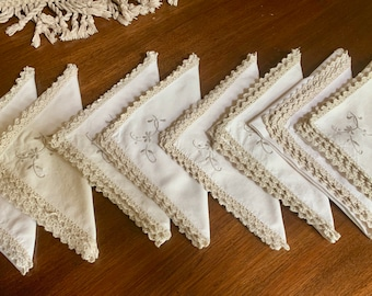 Cream Colored Napkins with Taupe Embroidery, Set of 8 Ecru Taupe Napkins with Taupe Lace Trim, 15 Inch Dinner Napkins, Linen Gift Idea