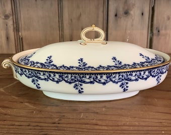 Antique Copeland Beatrice Covered Vegetable, T.Goode & Co. London, Blue White Porcelain Covered Vegetable with Gold Trim, Blue White China