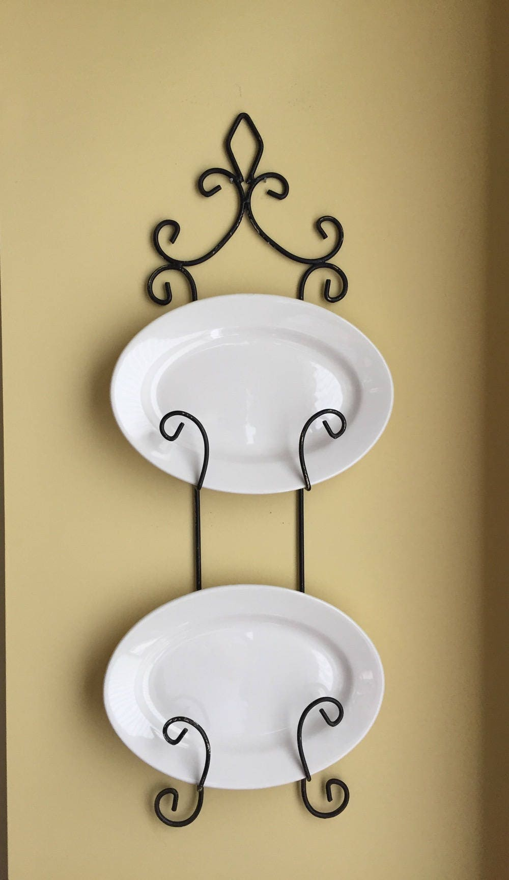 Iron Plate Rack Wall Platter Display Rack Black Chippy Paint Wall Mount Holds 2 Plates French Country Cottage Farmhouse Kitchen
