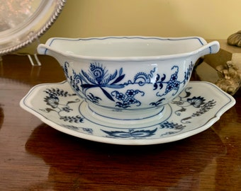Blue Danube Gravy Boat with Attached Underplate, Vintage Blue Danube Japan, Blue White China, Blue Danube Serving, Cottage Farmhouse