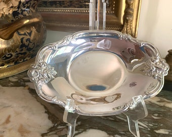 Silver Plate Nut Dish, Small Oval Scalloped Silver Candy Dish, Soap Dish, International Silver Plate Nut Dish, 3 Available Sold Separately