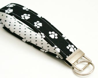 Paw Prints Key Fob - 5 Inch Key Ring Wristlet - Loop Keyring - Cute Wrist  Strap - Short Lanyard - Cat Keychain - Dog Lover - Black and White d8004df722bf