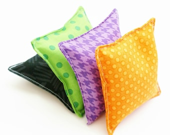 4 Halloween Bean Bag Toss Toys for Kids - WASHABLE - Classroom  Party Games Beanbags - Black, Purple, Green, and Orange - 3.5 or 4 Inch