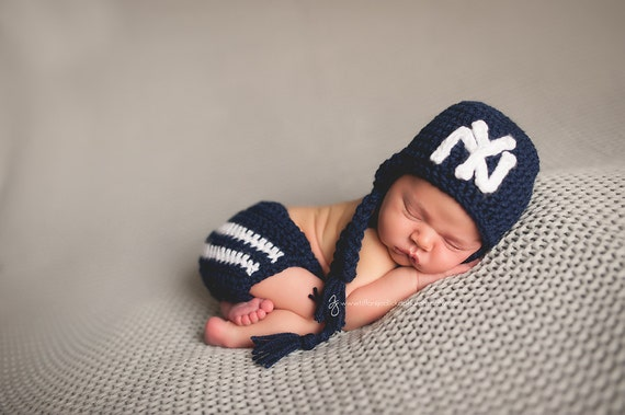 NY Yankees Hat and Diaper Cover Outfit Newborn baby toddler  56deb00d74f