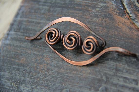 Broche châle Trio Rose fil de cuivre oxydé enveloppé   Etsy 6a78c2627fc