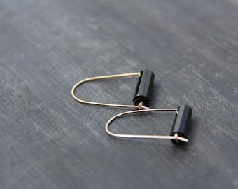 Minimalist U-shape Gold filled or sterling silver and black agate hoop earrings, arc modern earrings,geometric, everyday, gold simple gems