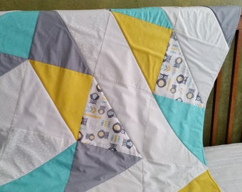 Baby blanket, Gender neutral, Handmade modern baby quilt, Nursery, Shower gift, Yellow gray white, Owls, Chevron, Minky