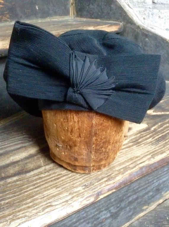 Black rayon faille beret vintage - image 1