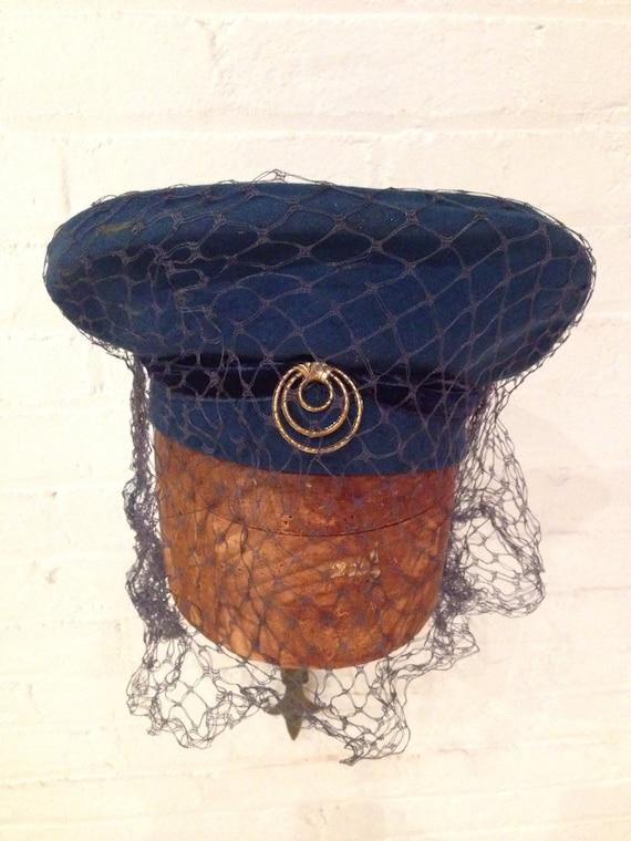 1940s WWII Ladies Felt Halo Hat