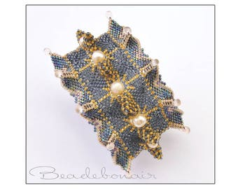 En Pointe Cuff Bracelet - an unusual and funky cuff bracelet  using seed beads, delicas, pearls and drop beads