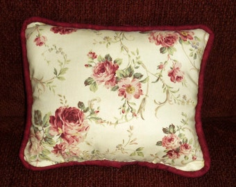 Romantic Roses....Decorative pillows stuffed with dried balsam tips....the fresh scent of woodland and forest.  Makes a delightful gift!