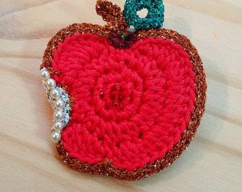 Crochet PIPPIN Apple brooch