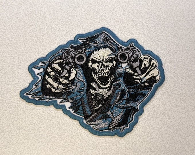 Skull with guns embroidered Patch