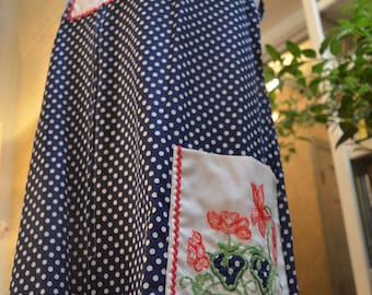 Vintage 1960s Go Ins Danville red white blue embroidered strawberry house dress M / L medium large
