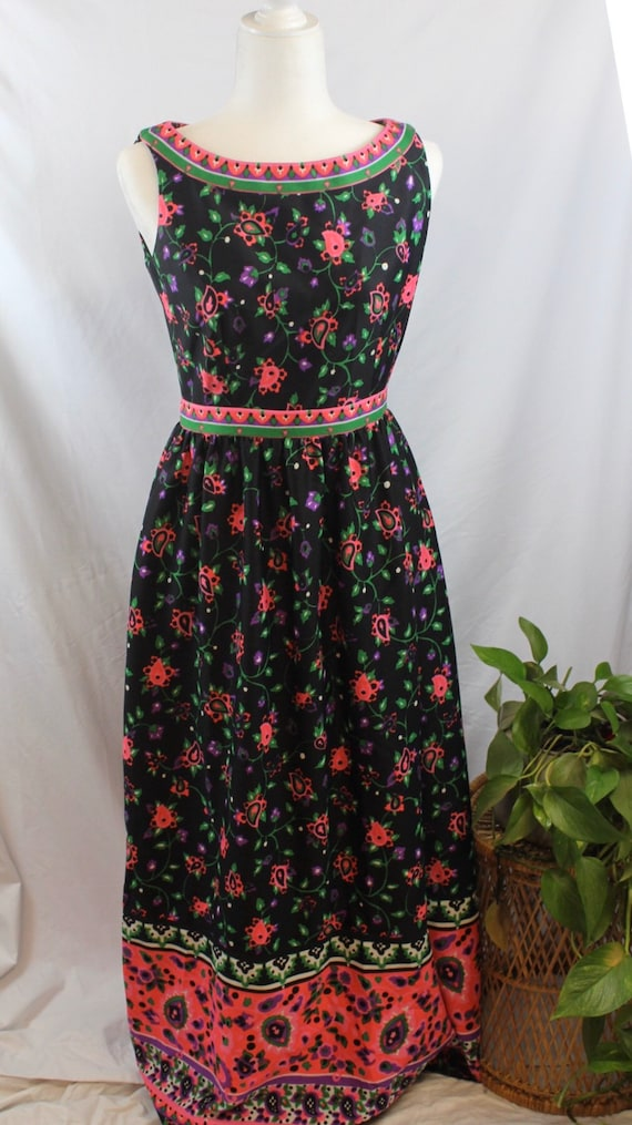 1960s/1970s Vintage Psychedelic Maxi Dress