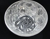 Vintage Signed Lalique Crystal Art Glass quot Pinsons quot Finches 9 1 2 quot Diameter Bowl Finches Nestled Among Bending Fern Fronds France Excellent