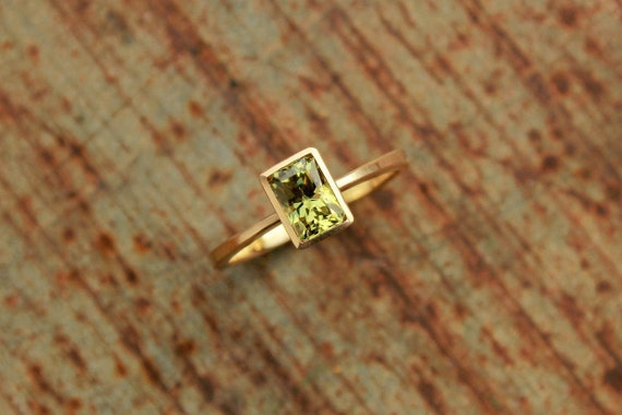 18k Ring With Mali Garnet Etsy