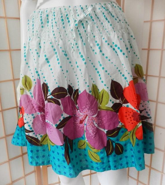 474b046378d0 Vintage Hawaiian Hibiscus Flower Skirt / Floral Tropical Print | Etsy